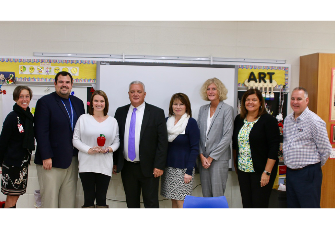 Hillview Elementary's Amy Cox wins Leaders for Learning Award