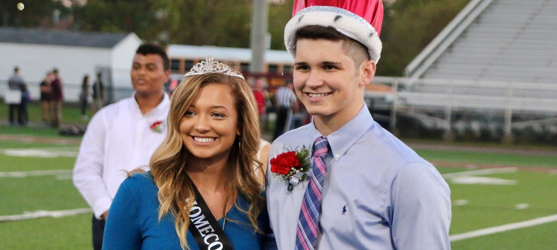 Homecoming Queen Mckenna Young and King Austin Shaffer