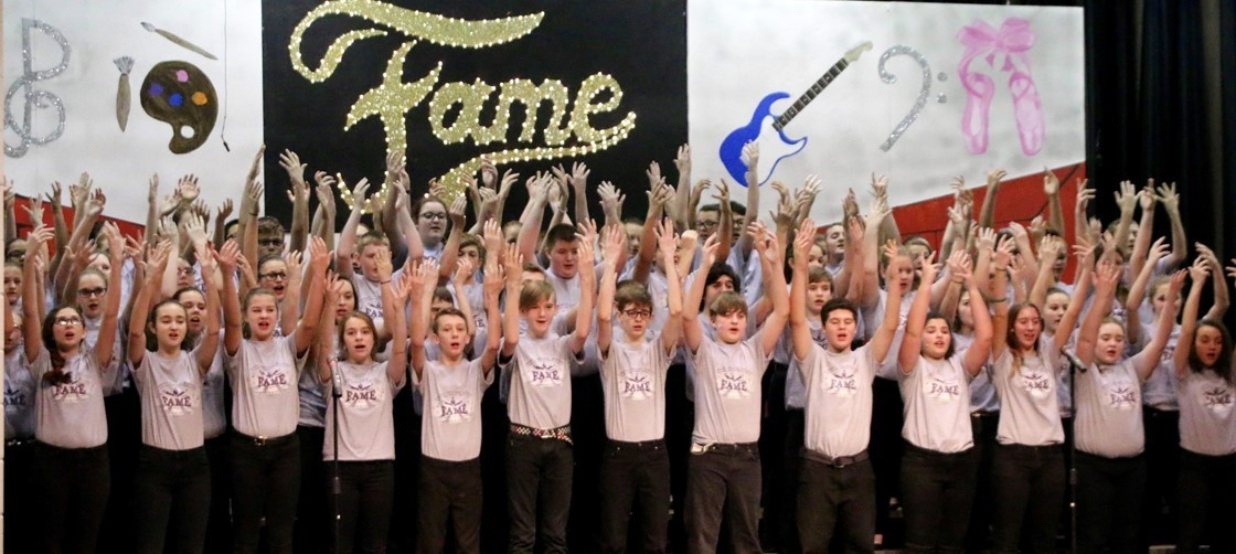 Liberty Middle School Choir performs Fame