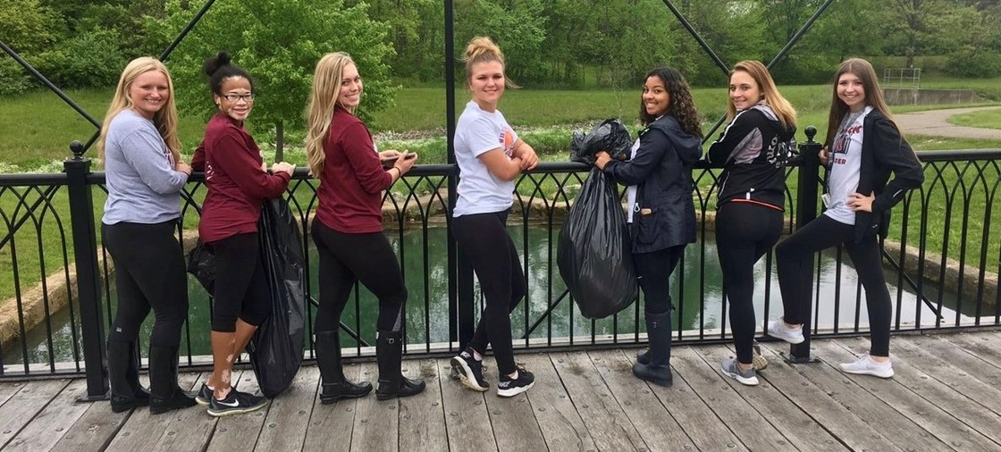 NHS Students help clean up around Newark for Community Clean Up Day