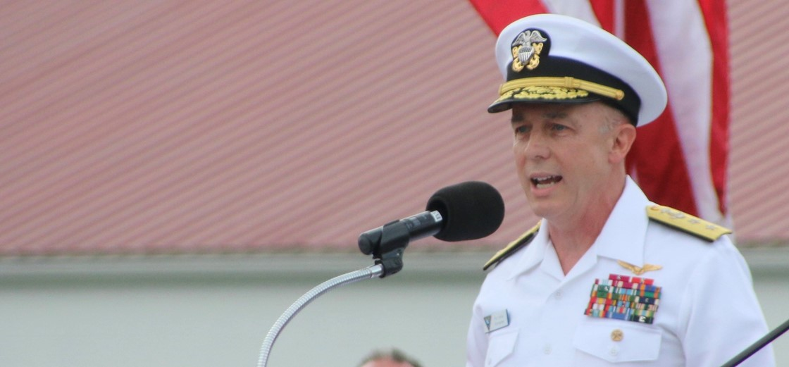 1980 graduate Rear Admiral Roy Kelley received the Alumni Citizenship Award
