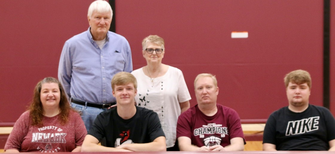 Drew Ballinger signed to play basketball at Otterbein